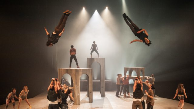 'Demain'/'Colibri', by L'École Nationale de Cirque