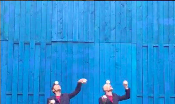 'Gibbon', by Chris Patfield & José Triguero, co-produced by Gandini Juggling
